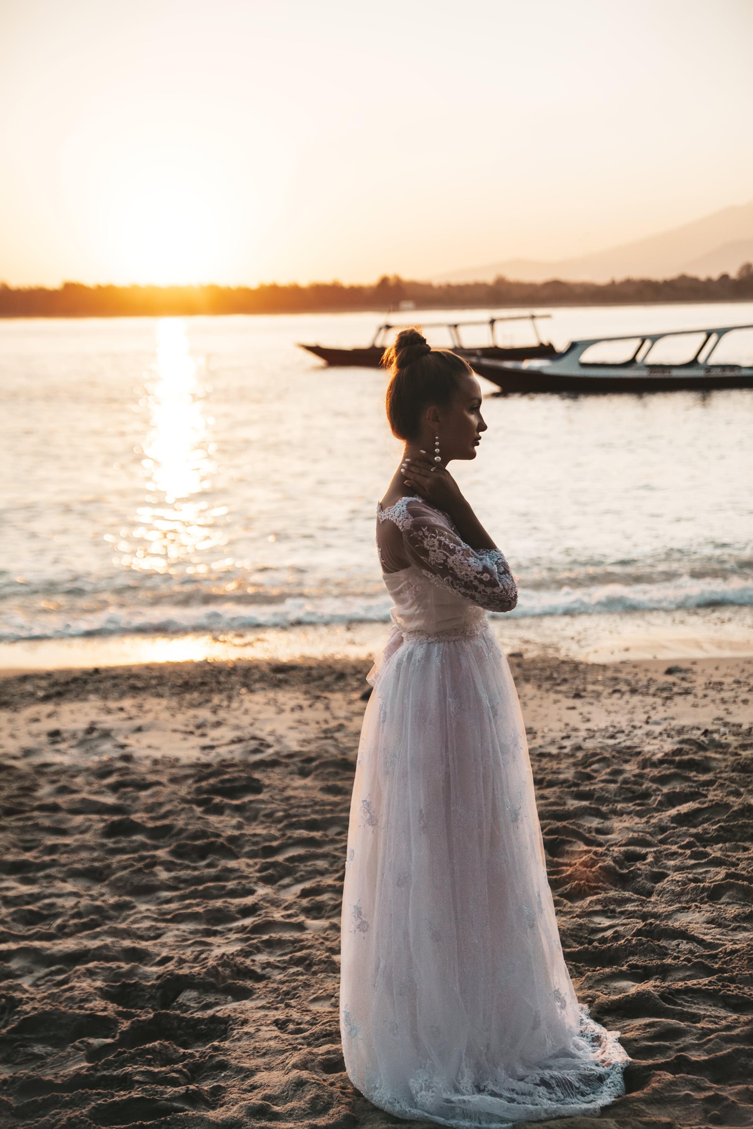 Νύφη στο ηλιοβασίλεμα